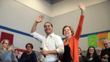 MARSHALLTOWN, IOWA - JANUARY 12: Former housing secretary Julian Castro joins Democratic presidential candidate Sen. Elizabeth Warren (D-MA) during a campaign stop at Fisher Elementary School on January 12, 2020 in Marshalltown, Iowa. (Photo by Scott Olson/Getty Images)