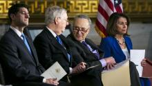 From left to right, Senators Paul Ryan, Mitch McConnell, Chuck Schumer and Nancy Pelosi attend the ceremony where former US Senator Bob Dole received the Gold Medal of Congress. EFE