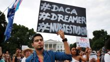Dreamers protest before the White House for the termination of the DACA program. Source: https://www.tribunahispanausa.com