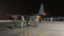 Afghans are evacuated from the country in foreign military aircrafts. Photo: Getty Images