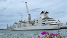 Star Breeze is the first cruise ship to arrive in Colombia after 17 months. Photo: Twitter @PuertoCTG