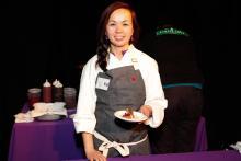 La gandora de la edición 2015,Carolyn Nguyen (Women Against Abuse).