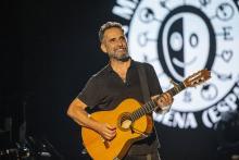 Jorge Drexler gave a concert at the La Mar de Músicas Awards. Courtesy of Efe.