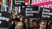 People marched in London last Monday against the attacks on Syrian soil by US, English and French forces. EFE