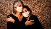 Autorretrato con mi madre, Santiago de Chile. Photo: Tamara Merino / COVID Latam