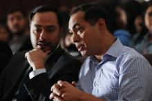 Texas leaders Joaquin and Julian Castro lead the calls for Ted Cruz's resignation. Photo: Mario Tama/Getty Images