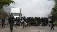 Guatemalan authorities dispersed the migrant caravan with violence and tear gas. Photo: BBC