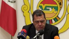 El gobernador del estado mexicano de Guerrero, Ángel Aguirre, anunció que se separa del cargo tras el aumento de las protestas por la desaparición de 43 estudiantes. EFE
