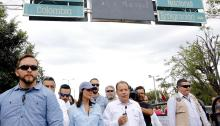 The United States ambassador to the UN, Nikki Haley (c), on Wednesday, August 8, 2018, travels the Simón Bolívar international bridge, in Cúcuta (Colombia), during her visit to the border between Colombia and Venezuela. EFE / Schneyder Mendoza Tarazona