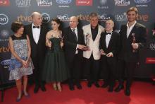 El equipo de 'RelatosSalvajes', tras la gala en Marbella. (Foto:EFE).