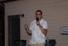 U.S. House candidate Gilberto Gonzalez speaks at his campaign launch party on July 31, 2021. Photo: Nigel Thompson/AL DÍA News.