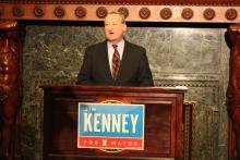La ley contra la discriminación laboral de Kenney ha peleado con fuerza