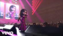 Jenni Rivera en su nuevo videoclip 'Motivos'. Frame del video.