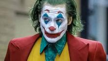 La infancia del actor fue casi tan turbulenta como la del personaje que encarna magistralmente en Joker (2019)