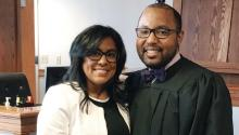 Maritza Padua, especialista en marketing y relaciones públicas de Keystone Firsty el juez Gregory Scott.