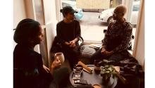 Imagen de la librería Café con Libros, libería especializada en cultura afrolatinaabierta por una latina de origen panameño. Foto: Facebook Café con Libros