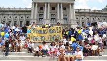 Familias se manifestaron en favor del proyecto de ley HB 1648 en junio pasado en Harrisburg. Foto: Fight for Drivers Licenses.
