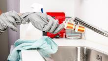 Utilizar productos de limpieza de manera habitual podría ser dañino. Foto: Pascal Helmer