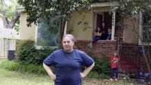 Christina Segundo, una de las seis demandantes que reclaman la revocación de la Ley CARES, que deja desamparadas de ayuda económica a las familias mixtas. Foto: Dallas Star Morning