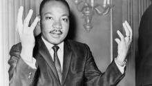Rev. Martin Luther King dando una rueda de prensa, el 6 de noviembre de 1964. Foto: Biblioteca del Congreso /Wikipedia