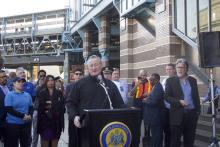 Mayor Kenney speaks at large-scale clean-up of Kensington Avenue in November. Photo: David Maas/AL DÍA News.