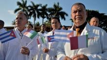 Más de 90 sanitarios cubanos aterrizaron en Italia para ayudar en el control de la pandemia. / Getty Images.
