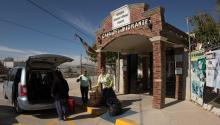 Mexican citizens stop to rest at Casa delMigrantein Ciudad Juárez(Mexico), on his way to the US. The Mexican government has announced a list of 11 measures to protect national migrants in the States.EFE/ Alejandro Bringas