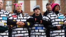 Manifestantes en contra del muro de Trump el pasado sábado en Boston, MA. Foto: EFE/EPA/CJ GUNTHER