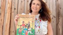 La periodista Naibe Reynosa, autora deFearless Trailblazers, 11 Latinos who made U.S. History. / La Opinión