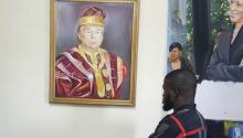 La pintura al óleo de Donald Trump realizada porPeter Odoakang. Photo: Peter Odoakang