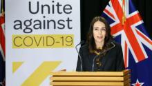 La primera ministra de Nueva Zelanda,Jacinta Ardern, vence con mano dura y franqueza la pandemia de la Covid-19. / D. Munoz