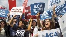 Supporters of the Affordable Care Act gather after the Supreme Court ruled that Obamacare tax credits can go to residents of any state on June 25, 2015 (posted again on December 15, 2018 ). According to media reports, a Texas judge declared the Affordable Care Act, also known as Obamacare, unconstitutional. EFE/EPA/JIM LO SCALZO
