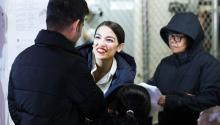 The Democratic candidate for the House of Representatives for New York, Alexandria Ocasio-Cortez, speaks with several voters before casting her vote in the Bronx, New York (United States). EFE