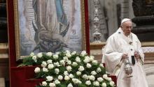 ElpapaFrancisco oficia una misa en la basílica de San Pedro del Vaticano en honor a Nuestra Señora de Guadalupe, patrona de México, en el Vaticano, hoy 12 de diciembre de 2017. EFE/ Fabio Frustaci
