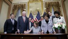 Speaker of the House of Representatives, Nancy Pelosi (C) and leaders of the Democratic House, participate in a signing ceremony for a continuing resolution to temporarily reopen the government on the US Capitol. EFE/EPA/SHAWN THEW