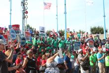 Thousands gathered for the Labor United to Free the Children rally on Aug. 15 at Penns Landing. Photo: Emily Neil / AL DÍA News