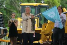 AMLO during the approval of the Mayan Train proposal. Photo: Alonso Cupul/EFE