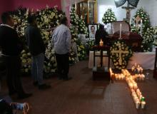 Mexico City, Jan 2 (efe-epa).- Relatives, friends and public officials gathered Wednesday in the southern Mexican town of Tlaxiaco for the wake of Mayor Alejandro Aparicio, who was murdered on New Years Day. EFE