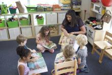 Melissa Page Peter, founder of Mi Casita, with children at Philadelphia's first Spanish Immersion Preschool.Photo: Jensen Toussaint/AL DÍA News