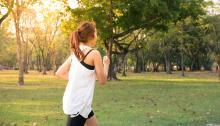 El running puede ser un deporte de riesgo. Antes de comenzar una rutina deportiva, es necesario visitar al médico. Foto:Tirachard Kumtanom
