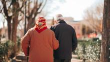 ¿Cuándo es necesario contratar un cuidador a domicilio?