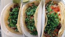 Tacos al pastor, pollo, carnitas. Foto: Eli Siegel