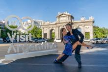 Dancers Mora Godoy and Ramiro Javier Izuriet at the Puerta de Alcalá in Madrid. File image.