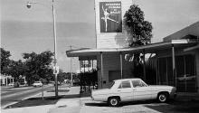 Reproducción cedida por la Universidad de Miami de una fotografía tomada en los años 70 por la fotógrafa cubana Josefina Tarafa a la fachada de la Academia Cubana de Ballet en Coral Gables, cerca deMiami, Florida.