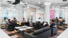 """Cuatro emprendedores de Nueva York decidieron crear """"Croissant"""", una plataforma online que ofrece a los usuarios la posibilidad de elegir entre diferentes espacios de coworking en su ciudad, incluida Filadelfia, sin tener que pagar una tarifa fija mensual. Una especie de """"Airbnb"""" de los espacios de trabajo."""