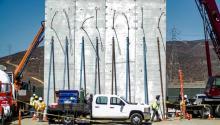 Prototipo del muropara construir en la frontera con Mexico, cerca de Tijuana, el pasado octubre. Foto: EFE / Joebeth Terriquez