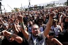 Maskless crowd at Coachella, prior to restrictions.