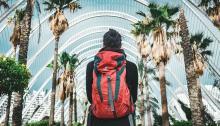 Lo más cómodo para visitar España, es contar con una pequeña mochila. Foto:Chris Holgersson