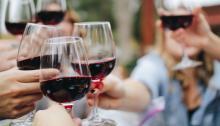 El consumo de vino estánormalizado en nuestra sociedad. Foto: Kelsey Knight