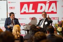 """AL DÍA CEO y Editor HernánGuaracao en conversacióncon Dr. Jack Ludmirdurante el """"fireside chat"""" en el foro de AL DÍA Doctors. Foto: Todd Zimmermann / AL DÍA News"""